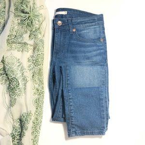 Levi's 711 Skinny Mid Rise Slim Hip Thigh Jeans 25